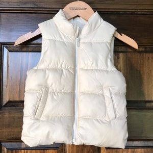 Old navy frost free 3T cream/pearl color vest
